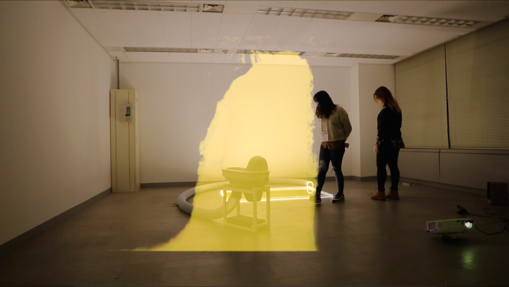 김기훈(기훈센), peecefull, interactive installation, 1 kinect sensor, 1 projector, 2017